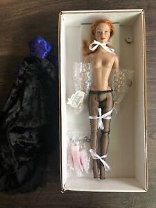 """Robert Tonner 17"""" Brenda Starr Doll With Gown, Gloves, Nylons - Used"""