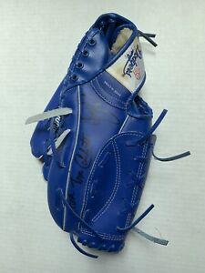VINTAGE - LA Dodgers Autographed Baseball Glove - DeSheilds Candiotti 1990's