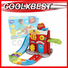 NEW VTECH TOOT TOOT DRIVERS FIRE STATION with FIRE ENGINE INTERACTIVE PLAY SET