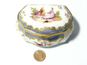Antique 19thC Floral Hand Painted Gilt Porcelain Table Snuff Box Hinged Lid