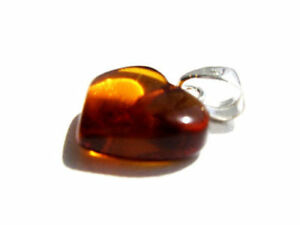 NATURAL BALTIC AMBER PENDANT ,, HEART ''
