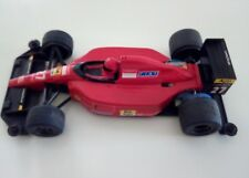Miniature de Formule 1 Ferrari Tamya 1991 Prost motorisation avec deux piles R6