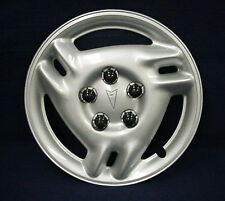 "PONTIAC GRAND AM 99-05 15"" 3 SPLIT SPOKE SILVER WHEEL COVER / HUBCAP - 1 - OEM"