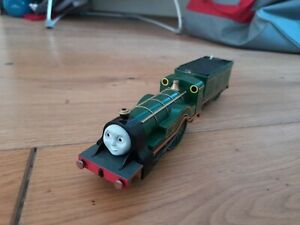 TOMY TRACKMASTER THOMAS SHANE WITH  TENDER BATTERY OPERATED  FREE UK POST