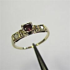 1256 - Dezenter Ring aus Gelbgold 585 mit Rubin und Brillanten - G3