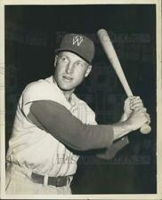 Press Photo Fort Worth Cats Baseball Player Ken Staples Poses With Bat