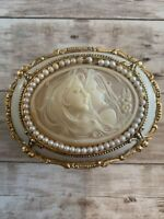 Pretty Vintage San Francisco Music Box Oval, Ivory And Gold -Japan- Tune: Memory