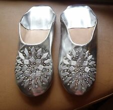 MOROCCAN *SILVER LEATHER SEQUINED SLIPPERS * 5/38 *