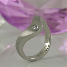 Ring in 950/- Platin mit 1 Diamant 0,13 ct TopWesselton vsi - Gr. 54