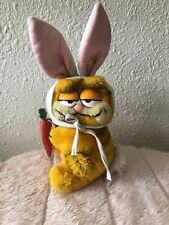 Garfield Easter Bunny Rabbit Costume Dakin Plush Dangling Carrot Vintage Cat