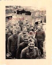 deutsche Soldaten Mittagessen bei Kielce Polen