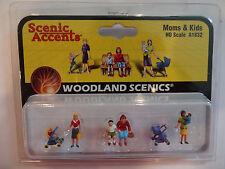 Woodland Scenics Ho #1832 - Moms & Kids