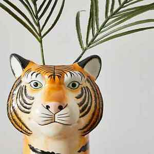 Stunning Ceramic Tiger Head Vase Add To Any Room of The House Wipe Clean 30cm.
