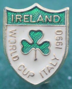 Rare Ireland Football Association FA Enamel Pin Badge World Cup Italy 1990