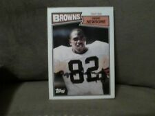 1987 TOPPS OZZIE NEWSOME autographed #85  FOOTBALLl Card