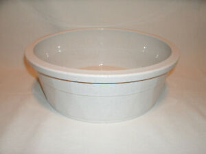Heavyweight Off-White Speckled Plastic Crock Durable Pet Dish ~ 106 Oz. ~ #3