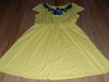 Size Small Charming Charlie Yellow Casual Dress Floral Front Neckline EUC