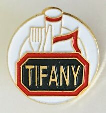 Tifany Dinner Plate Cutlery Advertising Pin Badge Vintage (D12)
