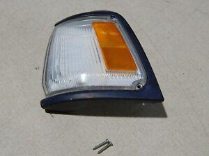 89 90 91 Toyota Pickup Driver Left Marker Corner Turn Signal Light