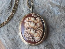 HAND PAINTED SISTERS, MOTHER/DAUGHTER, 3 GENERATIONS CAMEO BRONZE LOCKET