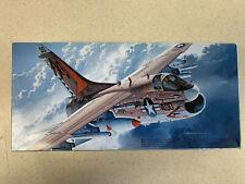 """Fujimi A7E Corsair Ii """"Sunliners"""" 1/72 F-12 Pn - 72013"""