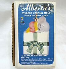 Mouse on Xmas Package Alberta Mold 165