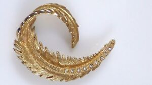 Vintage Curled Leaf Brooch Pin Clear Pavé Rhinestones Gold Tone Lovely Detail!