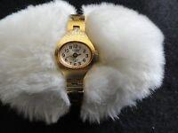 Vintage Swiss Made Hudson De Luxe 17 Jewels Ladies Wind Up  Watch