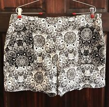 I.N.C International Concepts Women Shorts Floral Size 14 Black/White New W/ Tags