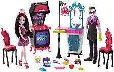 Monster High Monster Family Vampire Kitchen Playset & 2-Pack Dolls ~NEW~