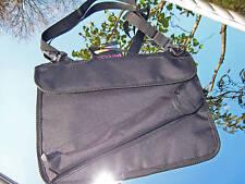 Notentasche mit aufgesetzten Blockflötentasche zum Transport von Noten-Hefte