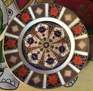 Royal Crown Derby. Old Imari Plate 1128.