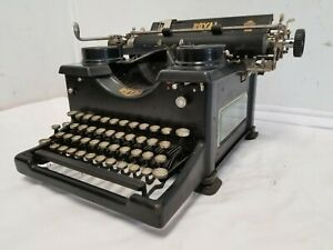 Antique 1931 Royal Manual Typewriter With Side Windows, Very Good