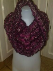 Knitted Cowl purple