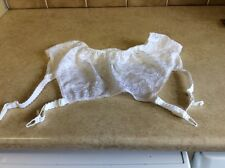 """Suspender Belt white size 31-32"""" waist BNWOT"""