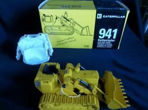 NZG 108/02 Caterpillar 941 Track Loader Spec Ed. Ser. No. 1:24 Scale Original Bx