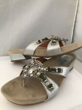 Earthies Lazeretta Slide Sandal Flip Flops Size 10M Silver Distressed Leather