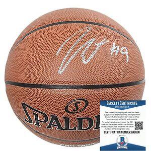 Jerami Grant Detroit Pistons Signed NBA Basketball Proof Beckett BAS Autograph