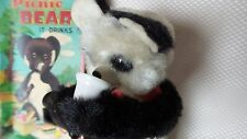 """GREAT VINTAGE 1960S BATTERY OP TIN TOY """"PICNIC BEAR"""" WITH BOX - ALPS JAPAN"""