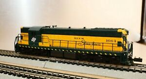 Life-Like N Scale 7744 CNW #1664 SD7 Diesel Locomotive running with lights
