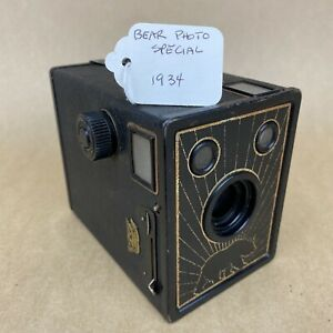 Bear Photo Special 1930s Box Camera - Made By Ansco