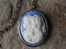 SISTERS, MOTHER, DAUGHTER, GENERATIONS, FRIENDS ANTIQUED SILVER PLATED LOCKET