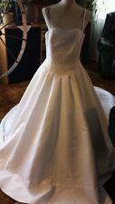 "NEW ♡  #4  ""ALFRED ANGELO"" WEDDING DRESS ♡ LONG TRAIN ♡ BEAUTIFUL ♡ SIZE 12"