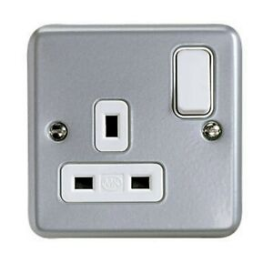 MK 13A Grey 1 gang Switched Metal-clad socket K2977RPALM