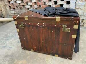 Finest English Large Leather Steamer Trunk Coffee Table Home Decor Table