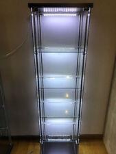Kit modifica e illuminazione vetrinetta Detolf Ikea per esposizione collezioni
