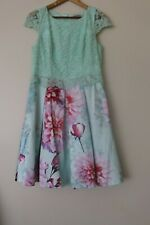 Review Size 14 Lace Floral Dress In Excellent Condition