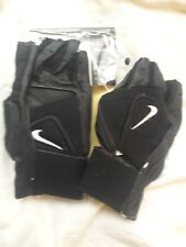 Nike Adult weight lifting dual strap fitness gloves, black, Size S. Brand New
