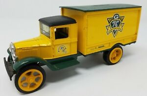 Green Bay Packers 75 Years NFL Football ERTL Die Cast Coin Bank Truck