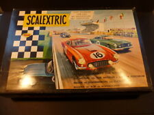 Scalextric Raro francés 60 Set con Azul Aston y verde Ferrari, caja de menta